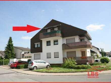 2 Zimmer DG Wohnung 2.OG mit Balkon und PKW Stellplatz