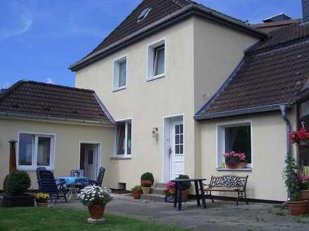 Doppelhaushälfte mit interessanten Möglichkeiten in Wilstorf