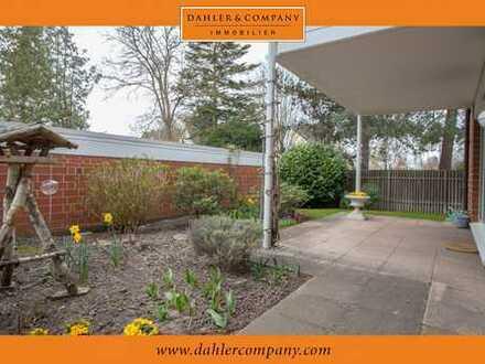 Großzügige Erdgeschosswohnung mit Terrasse und kleinem Garten