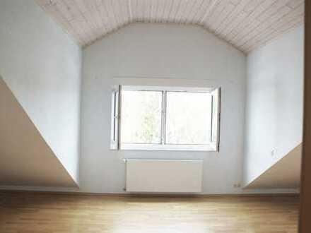 Gepflegte 4-Zimmer-Maisonette mit Terrasse und EBK in Darmstadt als Kapitalanlage!