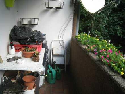Höchsten-Mitte, Wittbräucker Str.: 2 1/2-Zi.-Wohnung mit Balkon an ruhige Einzelperson