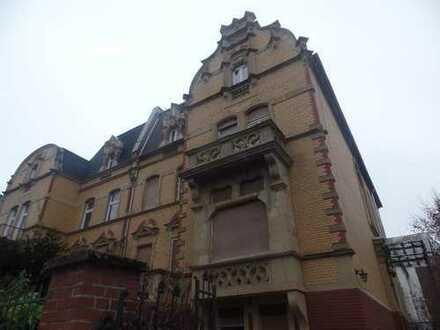 Neu sanierte großzügige 2 Zimmerwohnung Wohnung in beliebter Lage mit separatem Eingang