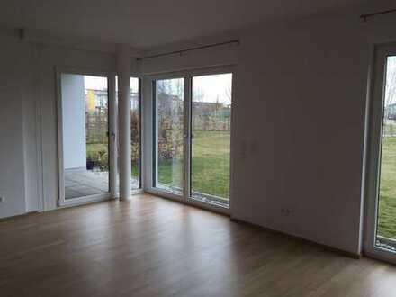 Stilvolle, neuwertige 2-Zimmer-Terrassenwohnung mit Garage in Olching, Am Schwaigfeld