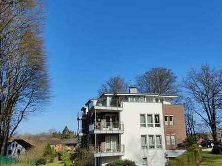 Gepflegte 4-Raum-Maisonette-Wohnung mit Balkon und Einbauküche in Aumühle