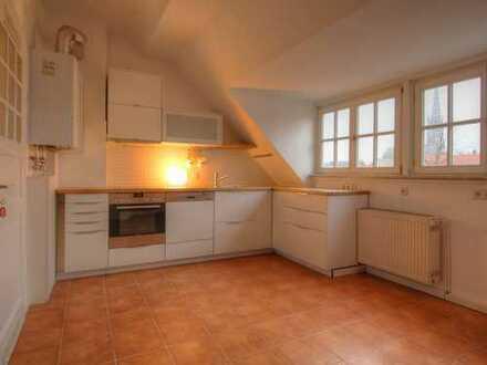 Gemütliche renovierte Altbauwohnung in ruhiger, zentraler Lage!