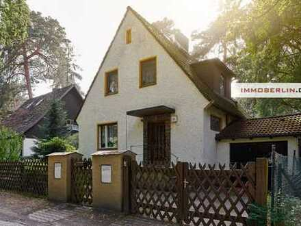 IMMOBERLIN: Traumlage! Charmantes Haus mit Gartenidylle beim Tegeler Forst
