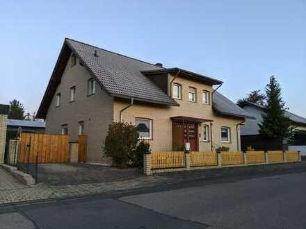 Freistehendes Einfamilienhaus mit Ausbaupotential / Teilungsmöglichkeit *provisionsfrei*