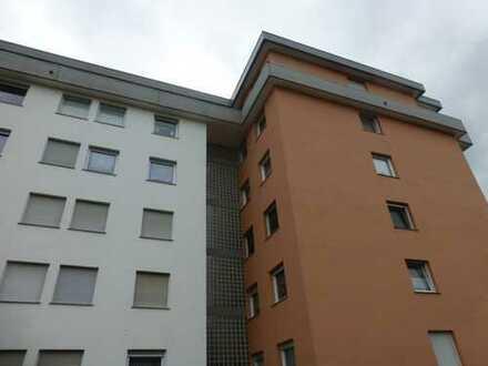 3-Zimmer-Penthouse-Wohnung mit großer Loggia in WO-Neuhausen
