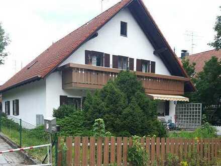 Freistehendes Einfamilienhaus mit Einliegerwohnung in Alt- Lochhausen