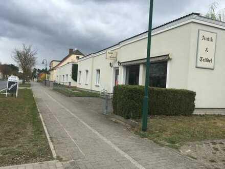 Preiswerte, modernisierte 5-Zimmer-Erdgeschosswohnung mit Einbauküche in Glöwen