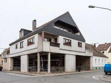 Großes Wohnhaus in Griesheim mit Gewerbeteil