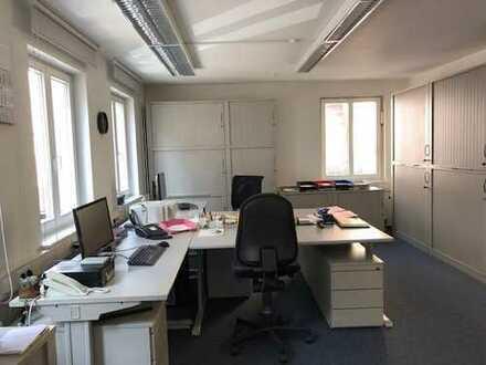 Gepflegte, helle Büro-/Praxisräume in der Lederstraße