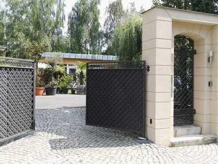Sanierte 3-Raum-Wohnung mit Balkon und Einbauküche in Dresden