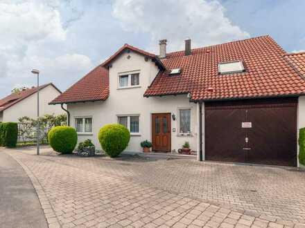 Ihre Gelegenheit ! Gepflegtes und funktionales Generationenhaus mit schönem Garten in Baindt