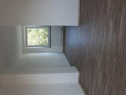Schöne neu sanierte zwei Zimmer Wohnung in Braunschweig Nord über 2 Etagen