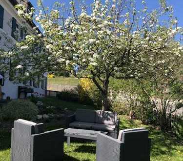 Großzügige Wohnung in ruhiger Lage mit Garten und Terrasse