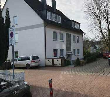 Gepflegte 3,5-Zimmer-DG-Wohnung mit EBK in Bochum