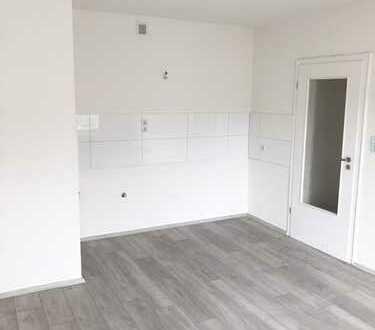 Renovierte 2-Raum Wohnung mit Balkon, gepflegte Wohngegend!