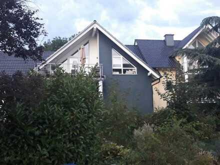 Schöne offengeschnittene 3-Zimmer-Wohnung mit Balkon und Einbauküche in gelnhausen