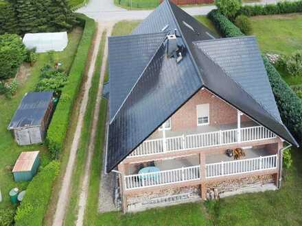 Riesiges ein- bis zwei- Familienhaus zur Kombination von Wohnen- und Arbeiten