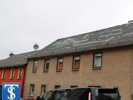 unsaniertes großes Einfamilienhaus mit teilausgebautem Rückgebäude in Pausa / Vogtland