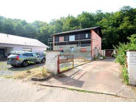 Handwerkerhaus auf großem Grundstück zu verkaufen