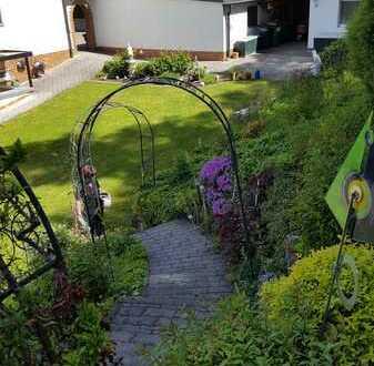 Zweifamilienhaus in Kemnath - Wohntraum mit Gartenanlage, Wintergarten und Pavillon