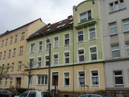 Kleine, gemütliche 3-Zi. Wohnung mit Balkon