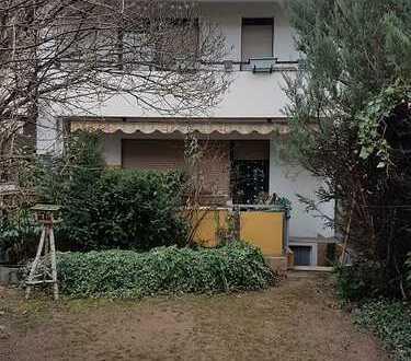 Kuscheliges Reihenhaus mit ausgebautem Dachgeschoss und lauschigem Garten
