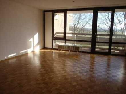 Gepflegte 3 Zimmer Wohnung mit 2 geräumigen Balkonen in Köln Weiden