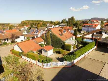 Geräumiges Architekten-Haus mit Pool und Einlieger-Wohnung am Ortsrand