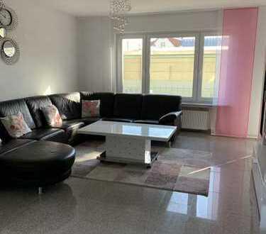 4 Zimmer ETW in Nied. 22.000 Euro Maklerprov. und 10.000 Euro für Stellplatz schon gespart.