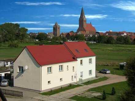 Ruhiges Haus im Grünen von Barth, inkl. Bungalow und Garten - nur für Gartenliebhaber