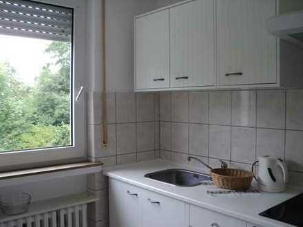 Gepflegte 2-Zimmer-Erdgeschosswohnung mit Balkon und EBK in Bad Driburg