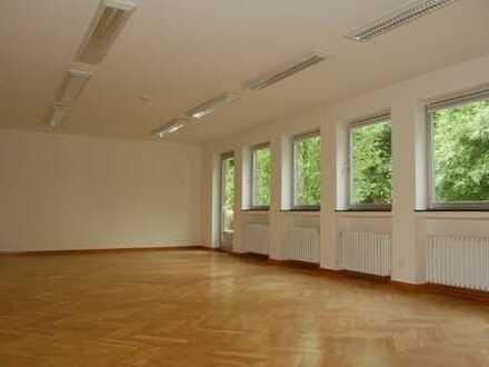 Großzügige und helle Büroflächen - ideal auch für Seminar- & Schulungszwecke