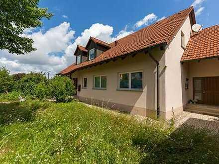 Zweifamilienhaus in Kirchlauter mit 8000 qm Grundstück zu verkaufen