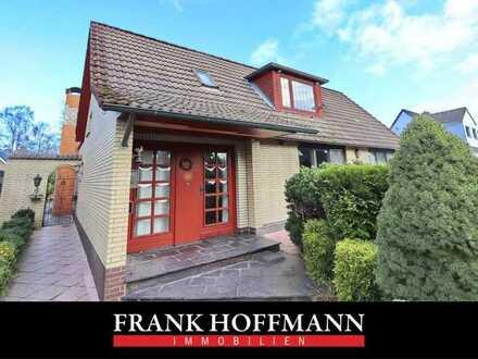++ RUHIGE LAGE ++ Schönes Familienhaus auf knapp 500m² in Farmsen!