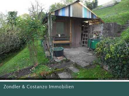 * IN AUSSICHTSLAGE: Großes Gartengrundstück * ca. 1035qm * Gartenhaus * Terrassen * Baumbestand *