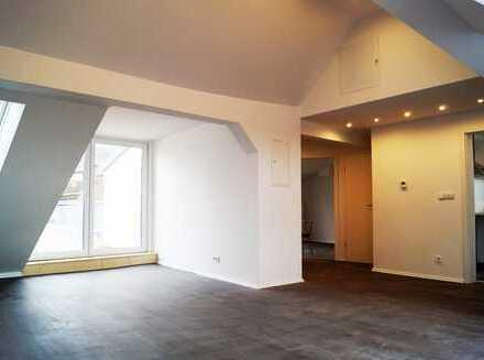 Erstbezug nach Sanierung: 2-Zimmer-Penthouse-Traum im Zentrum von Malsch