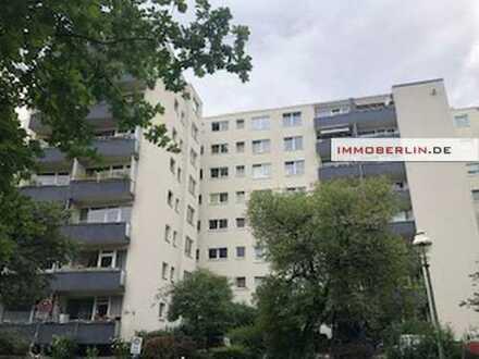 IMMOBERLIN: Ideale Wohnung für zwei Personen mit Südbalkon beim Fennsee