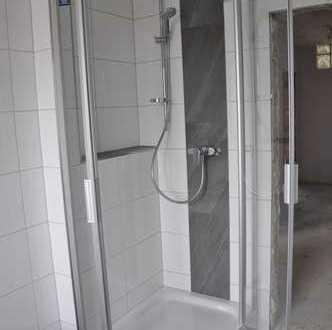 Helle, schöne vier Zimmer Wohnung in Bergheim-Glessen, Erstbezug nach Komplett-Renovierung