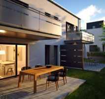 SOMMERAKTION FÜR SCHNELLENTSCHLOSSENE: Wohntraum zum Verlieben oder zum Vermieten