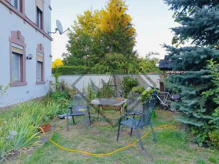 *Mehrfamilienhaus mit Baugrundstück in Zell am Main!*