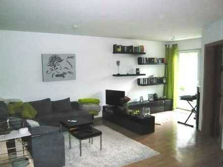 Schöne Helle 2 Zimmer Wohnung mit Südbalkon