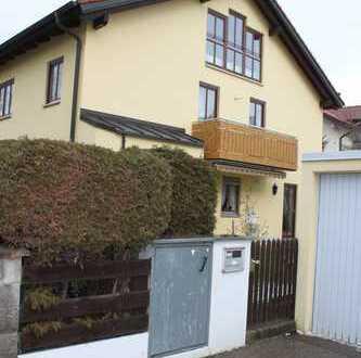Schöne Doppelhaushälfte mit fünf Zimmern in München Freimann