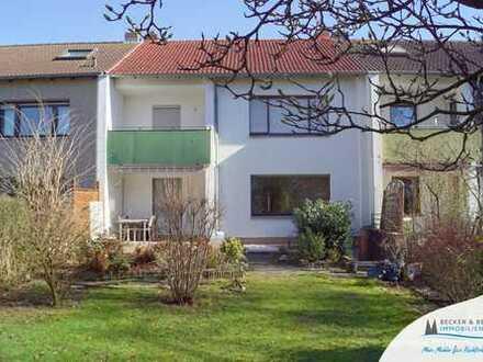 Großzügig, charmant und familiär - Ihr neues Zuhause mit großem Garten und Balkon