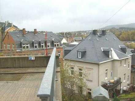 Preiswerte Eigentumswohnung in stilvoll saniertem Altbau aus Insolvenz