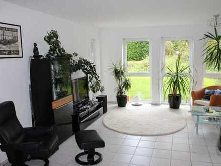 Helle 3-Zimmer-EG-Wohnung mit Terrasse