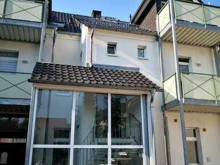 Wunderschöne 2 Raum-Wohnung mit Balkon im Stadtzentrum