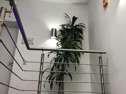 Helle, moderne Büro-/Praxisfläche im Gewerbeobjekt!